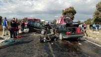 Otomobil İle Ticari Araç Kafa Kafaya Çarpıştı Açıklaması 1 Ölü, 9 Yaralı