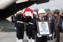 ŞEHİT BABASI - Şehit Polis Hakan Akdere'nin Naaşı Memleketi Kahramanmaraş'a Getirildi