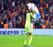 SOSYAL MEDYA - Trabzonspor'da Yüzler Güldü