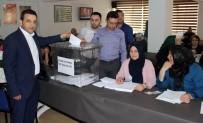 İSTİFA - AK Partililer İlçe Başkanı Belirlemek İçin Temayüle Gitti
