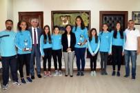 YÜKSEL MUTLU - Akdeniz Belediyesi'nin Genç Voleybolcuları 2 Kupa Kazandı