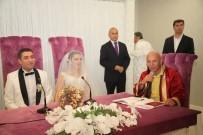 ALTıNOK ÖZ - Başkan Altınok Öz, Sosyal Yardım İşleri Müdürü Ali Kemal Özdemir'in Nikahını Kıydı