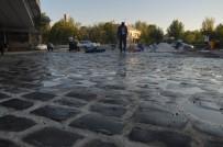 RESTORASYON - Diyarbakır Tren Garı'ndaki Çalışmalarda Tarihi Bazalt Taşları Bulundu