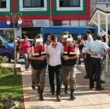 KARGıPıNARı - Erdemli'de PKK Propagandası Yaptıkları Gerekçesiyle 7 Kişi Yakalandı