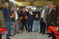 ESNAF ODASı BAŞKANı - İçinde 60 Bin TL Olan Çantayı Sahibine Teslim Ettiler