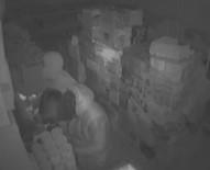 KAR MASKESİ - İstanbul'da Kar Maskeli Hırsızlar Kamerada