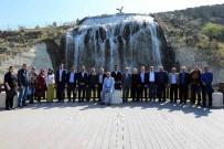 GENÇLİK MERKEZİ - Keçiören Belediyesi Meclis Üyeleri Projeleri Yerinde İnceledi