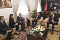 FRANSA DIŞİŞLERİ BAKANI - Kılıçdaroğlu, Fransa Dışişleri Bakanı Ayrault İle Bir Araya Geldi
