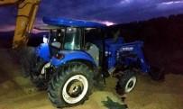 KOCADERE - Manisa'da Birlik Başkanı Traktörün Altında Kaldı