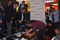 CUMHURİYET HALK PARTİSİ - Ruud Boffin'in İzleri Altın Ayaklar Arasında
