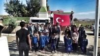 BİLİM ADAMI - Ülkücülerden Köy Okuluna, Bayrak Ve Kırtasiye Yardımı