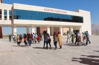 EĞİTİM FAKÜLTESİ - Ürgüplü Lise Öğrencilerden Ömer Halisdemir Üniversitesine Ziyaret