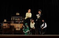 AMATÖR - 'Yeşil Papağan' Tiyatroseverlerle Buluştu