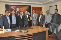 FEDAKARLıK - Alişar Köyü Muhtarından Kaymakam Kaya'ya Plaket