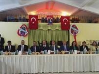 GAZİ YAKINLARI - Altunhisar Kaymakamı Mehmet Erdem  Şehit Ve Gazi Ailelerine Yemek Verdi