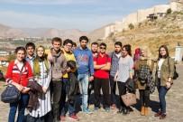 MEHMET NEBI KAYA - Cumhuriyet Üniversitesi'ne Yeni Kayıt Yaptıran Öğrencilere Sivas Tanıtılıyor
