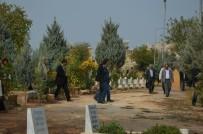 YENIKÖY - HDP'li Vekiller Terörist Cenazesine Katıldı
