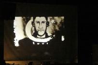 ÖZEL KUVVETLER - Kahraman Şehit Ömer Halisdemir'in Resmini Kum Sanatıyla Çizdiler