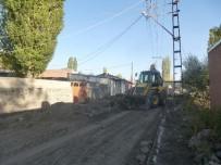 YOL YAPIMI - Kars Belediyesi Fenişleri Müdürlüğü Gece-Gündüz Çalışıyor