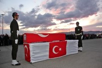 JANDARMA KOMUTANI - Şehit Asker Memleketine Uğurlandı