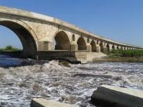 KARAYOLLARI - Tarihi Uzunköprü 3 Yıl Trafiğe Kapatılacak