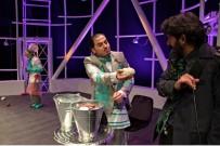 AYDOĞAN - 'Tek Kişilik Şehir ' Adlı Tiyatro Oyunu Zonguldaklılarla Buluşuyor