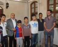 ARDA TURAN - Türk Ve Suriyeli Çocuklar Arda Turan'ı Kilis'e Beraber Futbol Oynamaya Davet Etti