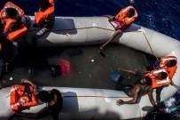 SAĞLIK EKİPLERİ - Akdeniz'deki Bir Şişme Botun Altında 25 Kişi Ölü Bulundu