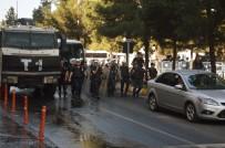 DİYARBAKIR EMNİYET MÜDÜRLÜĞÜ - Diyarbakır'daki İzinsiz Eyleme 25 Gözaltı