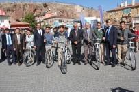SAĞLIKLI YAŞAM - İncesu Belediye Başkanı Zekeriya Karayol, Öğrencilere Bisiklet Dağıttı