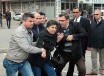 POLİS EKİPLERİ - İzinsiz Eylem Yapan HDP'lilere Polis Müdahalesi