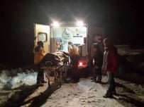 YEŞIL YOL - Kardan Dolayı Mahsur Kalan Hasta İşçiler Kurtarıldı