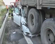 FARABI - Otomobil Kamyonun Altına Ok Gibi Saplandı Açıklaması 1 Ölü, 5 Yaralı