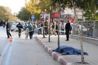 SAĞLIK EKİPLERİ - Sokak ortasında pompalıyla dehşet saçtı