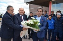 ERZURUMSPOR - Tuzlaspor'a Çiçekli Karşılama