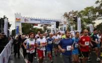 ALTIN MADALYA - Zeytinburnu Cumhuriyet Koşusu Başlıyor