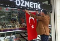 OSMAN GÜNAYDıN - Bağcılar'da Esnafa 10 Bin Türk Bayrağı Dağıtıldı