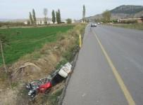 MOTOSİKLET SÜRÜCÜSÜ - Bigadiç'te Trafik Kazası Açıklaması 1 Ölü