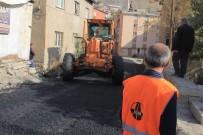 KARAYOLLARI - Hakkari Şehir İçindeki Yollar Asfaltlanıyor