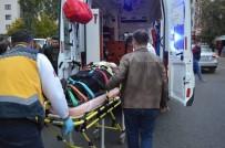 SAĞLIK EKİPLERİ - Kırklareli'de TIR'ın Çarptığı Kadın Yaralandı