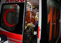 MOTOSİKLET SÜRÜCÜSÜ - Motosiklet İle Kamyonet Çarpıştı Açıklaması 1 Yaralı