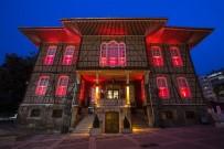 ERKEN TEŞHİS - Tarihî Belediye Binası Meme Kanserine Karşı Pembe Renkle Işıklandırıldı