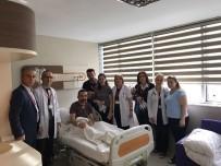 HASTA HAKLARI - Trabzon'da Hasta Hakları Gününde Karanfil Dağıttılar