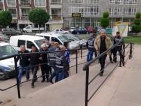 ZEYTINLI - Edremit'te Yan Bakma Cinayetinde 2 Zanlı Tutuklandı
