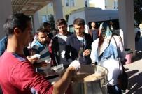 ANADOLU LİSESİ - Öğrenciler Aşureyi Hazırlayıp Servis Etti