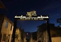 ATATÜRK EVİ - Yayla Mahallesi'ne 'Yol Takı' Montajı Yapıldı