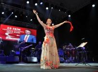CANDAN ERÇETİN - Antalya'da 29 Ekim Kutlamalarında Candan Erçetin Çoşkusu