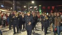 DÜZAĞAÇ - İzmir'de Cumhuriyet Bayramı Kutlamaları Fener Alayı Ve Konserlerle Devam Etti