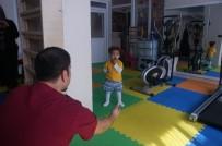 Rehabilitasyon Merkezinde 'İlk Adım' Mutluluğu