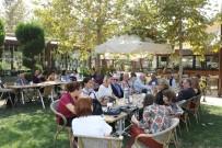 DÜNYA YAŞLILAR GÜNÜ - Büyükşehir Yaşlılar Günü'nü Kutladı